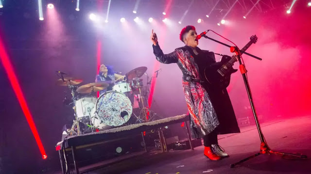 "Frank's White Canvas anuncia gira y estrena videoclip de ""Hiding Away"" musica chilena música chilena"