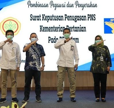 69 Pegawai BP Batam Terima Surat Keputusan Penugasan PNS dari Kementerian Pertanian