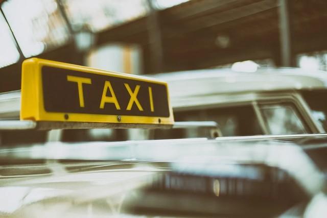 Robo con intimidación a taxista en La Unión