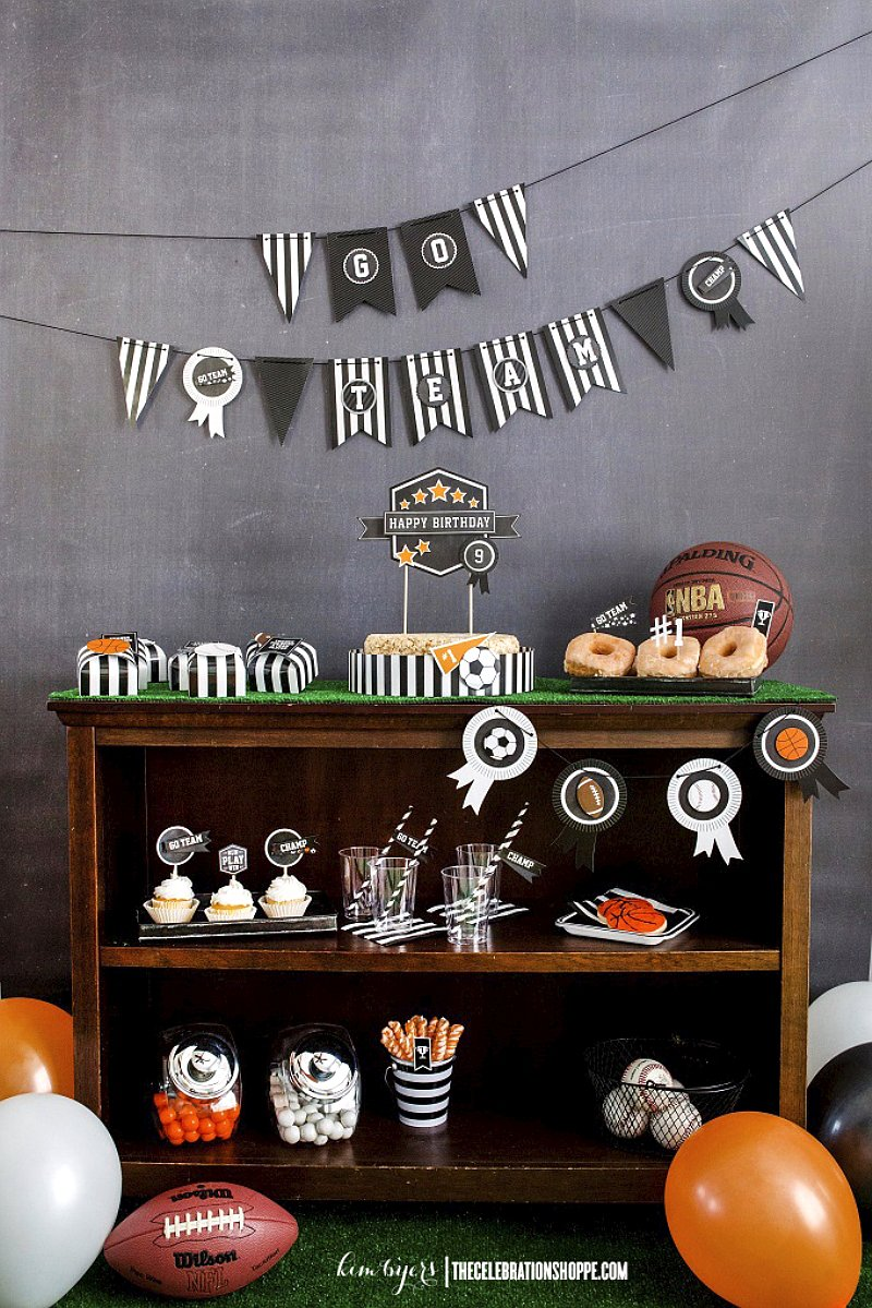 sports party ideas via BirdsParty.com @birdsparty
