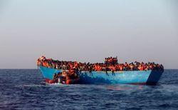 Capitão muçulmano joga refugiados cristãos ao mar para que parassem de orar
