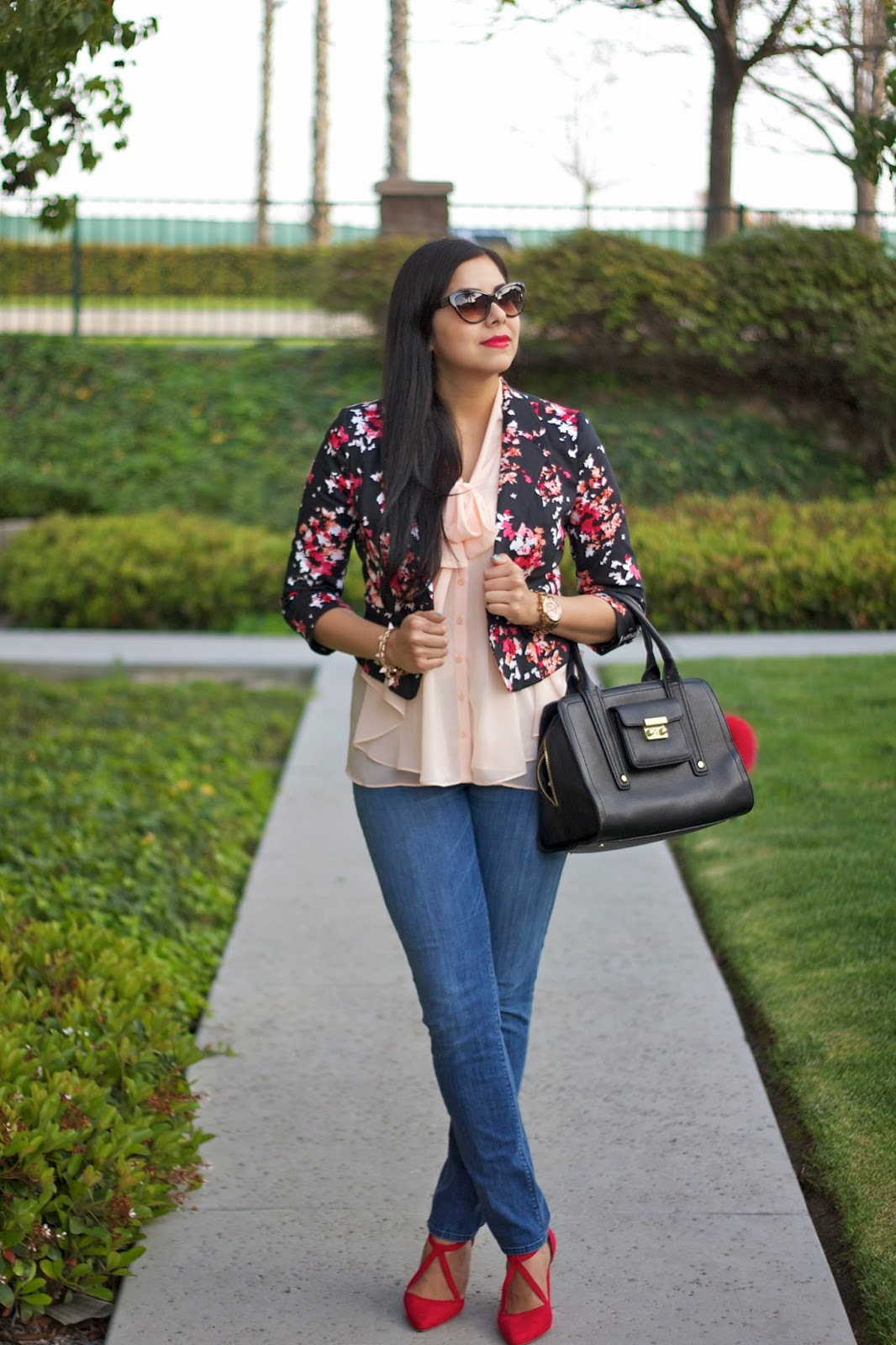 Red and Black Floral Blazer, how to wear pink and red, red lips