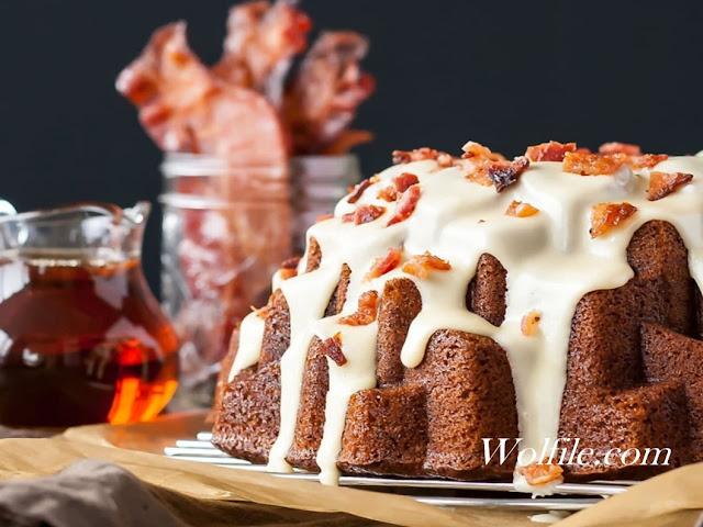 Delicious Banana Bacon Bundt Cake Recipe #Cake