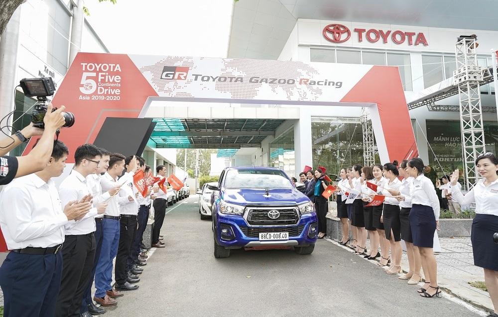 Hành trình 5 châu cùng Toyota 2019