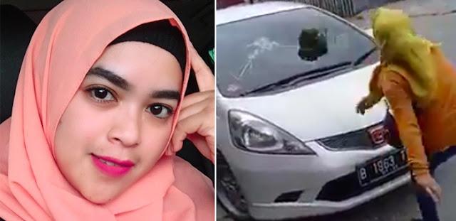 BRAKK!!! Mobil Pelakor Dilempari Batu, Lapor Polisi Malah Diceraikan Suami, Ada Videonya
