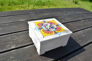 drewno mandala szkatułka herbaciarka