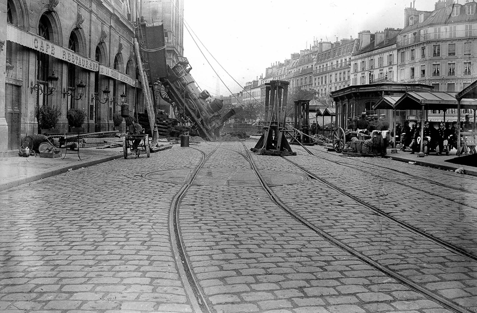 Montparnasse Train Wreck photos