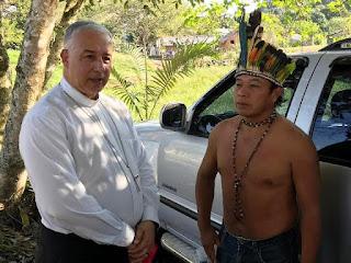 Dom Manoel, bispo de Registro-SP, tem sábado missionário em aldeia e quilombo no Vale do Ribeira