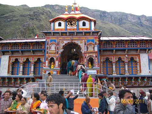 badrinath temple,badrinath temple history,badrinath,temple,badrinath temple yatra,badrinath temple closing day,shri badrinath temple closing,badrinath temple darshan,kedarnath temple,shri badrinath temple,badrinath dham,best time to visit badrinath temple,kedarnath temple closing view