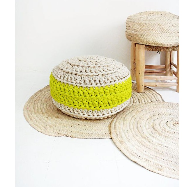 best cute round table with  green and white crochet pouf for sofa corner