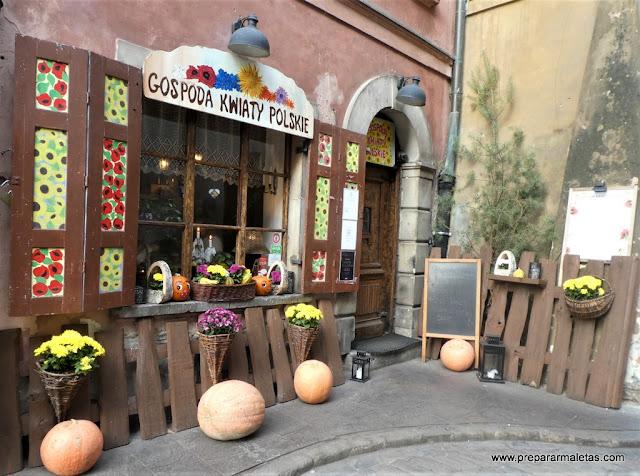 fachadas bonitas restaurantes en Varsovia