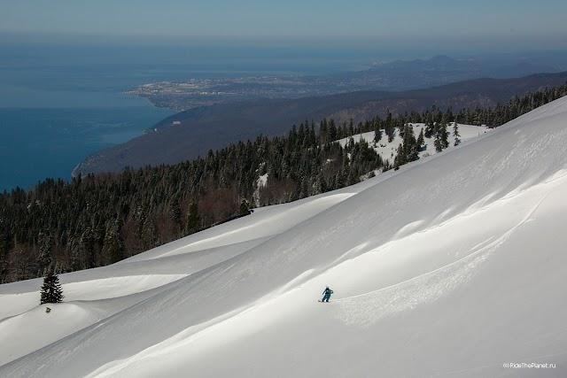 Снежные горы Абхазии
