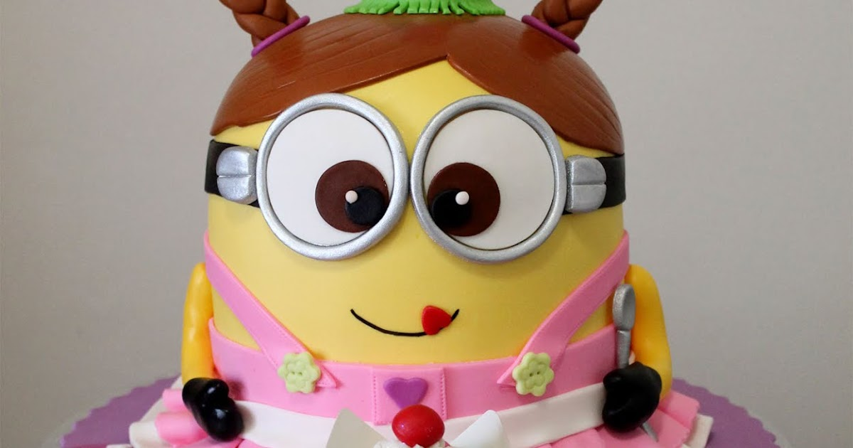 Delana\'s Cakes: Girly Minion Cake