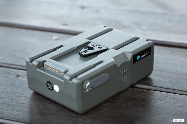 解決 Canon 相機長時間拍攝的供電問題 - V Mount 電池外觀
