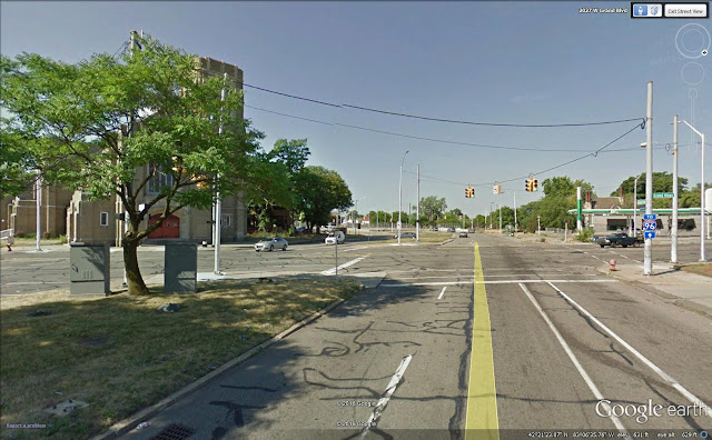 google image of grand river avenue intersecting with Grand Boulevard