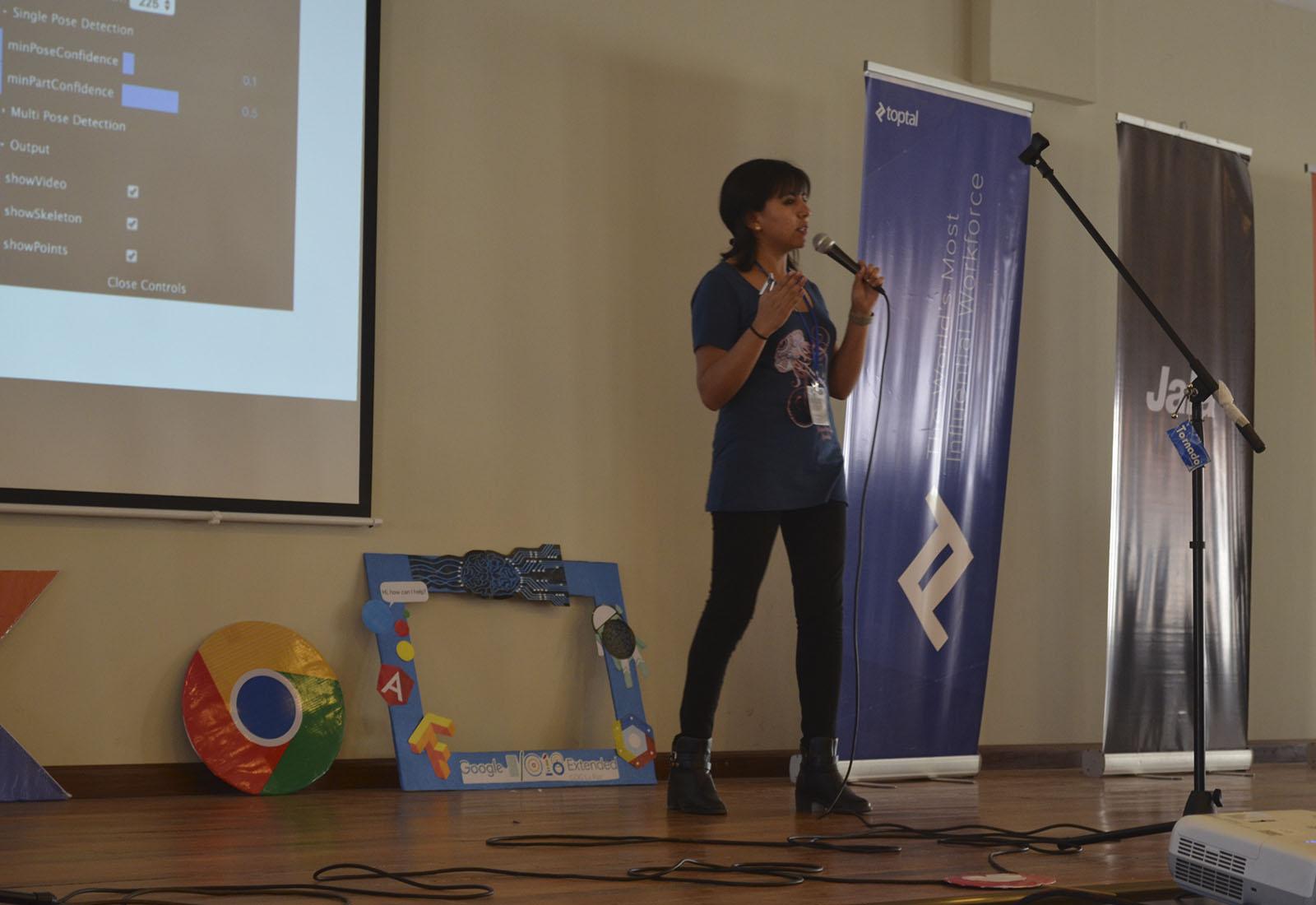 Alarcón durante la presentación en la carrera de informática de la UMSA / ALBERTO MEDRANO