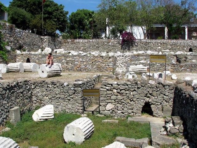 Destroços do Mausoléu de Halicarnasso em Bodrum