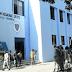 Se roban 103 laptops de liceo de Azua, una motocicleta de la policía en San Juan y aún no hay responsables