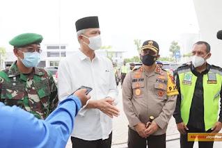 Kapolda Dan Gubernur Jateng Jemput Jenazah Habib Jafar di Bandara