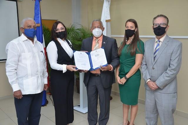 EXPORTADORES OBTIENEN REGISTRO DE PRIMERA MARCA COLECTIVA DE AGUACATE CRIOLLO PARA COMERCIALIZARSE EN EE.UU.