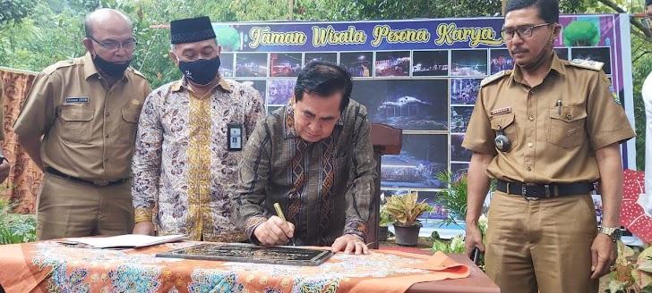 Wali Kota Sungai Penuh AJB Resmikan BUMdes Taman Wisata Pesona Karya Bakti