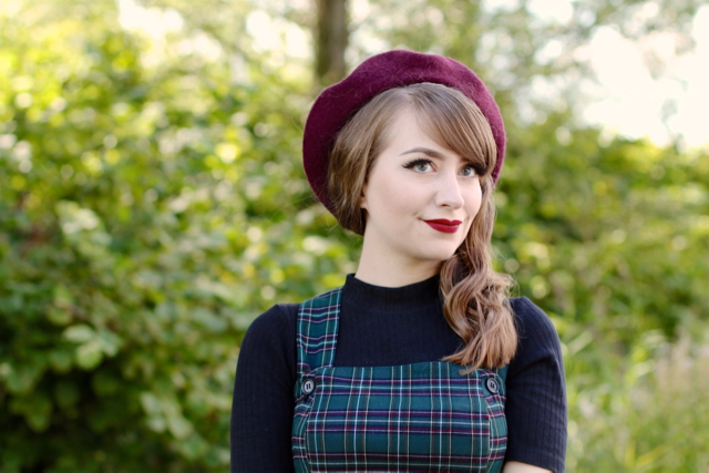 The 40s style green plaid Peebles pinafore dress by Hell Bunny review