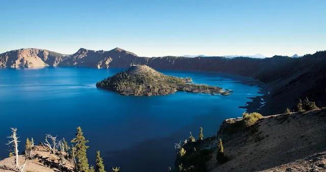 Danau Yang Terlihat Tenang Dang Bersih, santuytimes.com