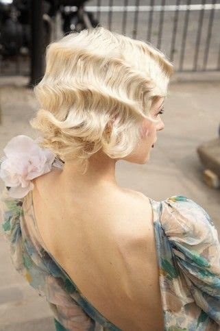 Finger Wave - Back to 1920s Hairstyle