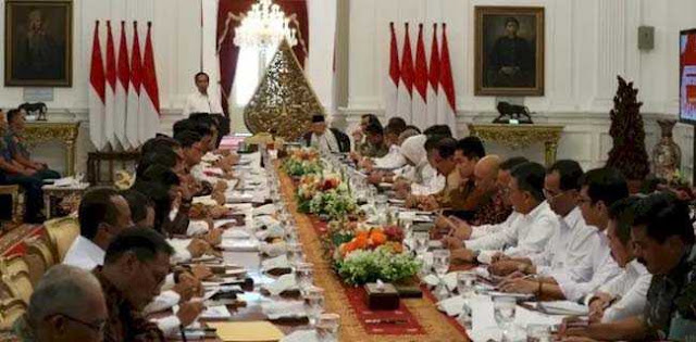 Jokowi Minta Menterinya Tidak Ribut Di Luar Rapat