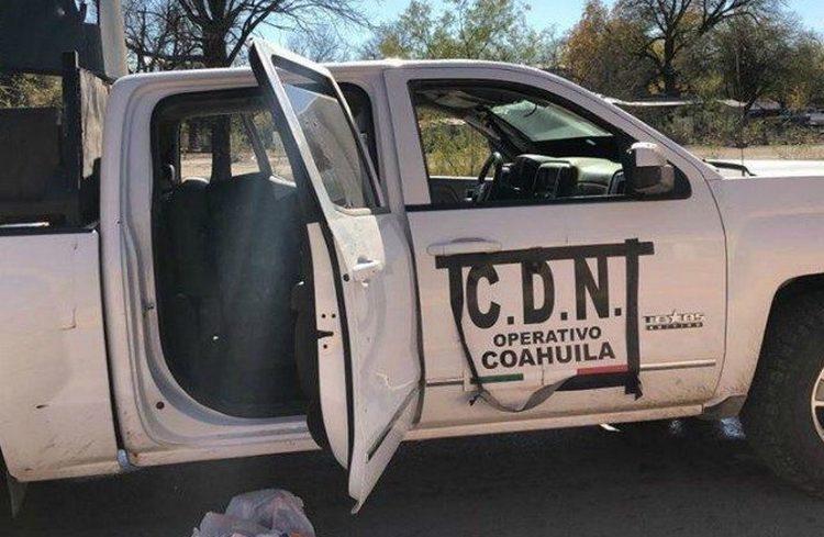 Durante topon y persecuciones en Villa Unión, Coahuila, sicarios del CDN encañonaron a gringos para tumbarles sus trocas