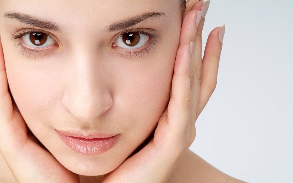 Tips Mudah Mencerahkan dan Menghaluskan Kulit Wajah