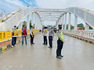 Kasat Lantas Polres Maros Bersama Instansi Terkait Melaksanakan Survey Uji Kelayakan Jembatan Pute