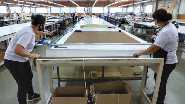 73,1% da cidades do Paraná tiveram saldo positivo de empregos em janeiro