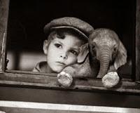 la depresion en los niños a veces cursa con irritabilidad o retrocesos evolutivos