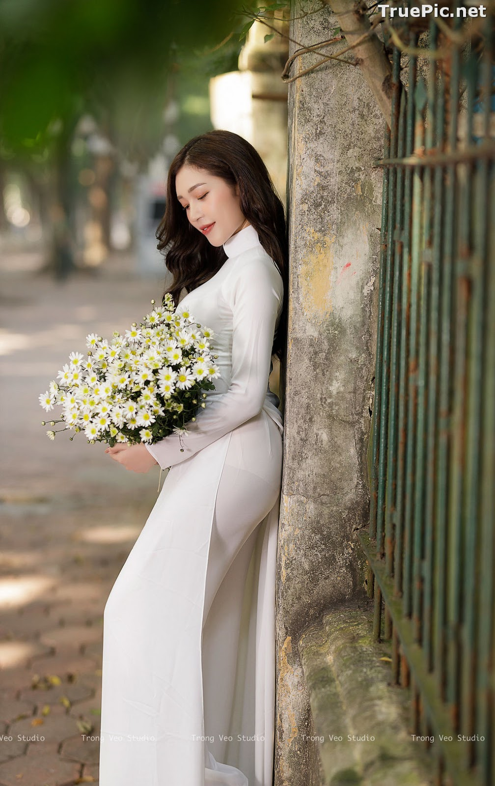 Image The Beauty of Vietnamese Girls with Traditional Dress (Ao Dai) #1 - TruePic.net - Picture-5