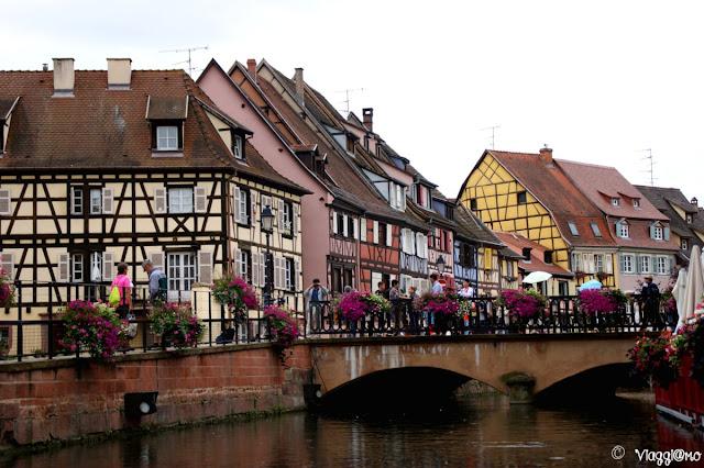 Le case colorate a graticcio e i canali di Colmar