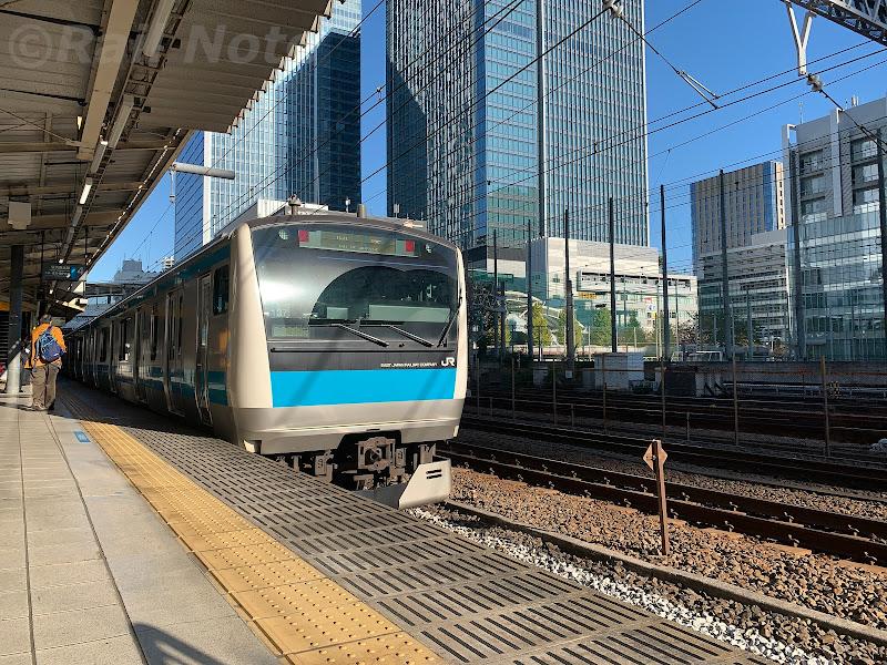 折り返し列車となる京浜東北線4番線停車中の列車