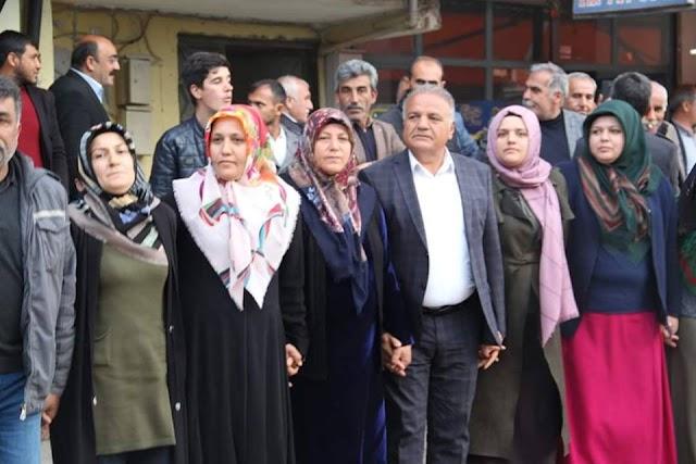 HDP Bozova'da şimdiden kutlamalara başladı