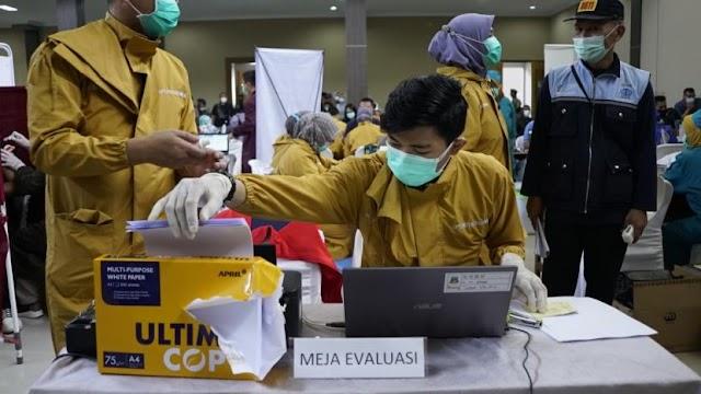 Melebihi Ekspektasi, Vaksinasi Nakes di Kabupaten Garut Melebihi Target