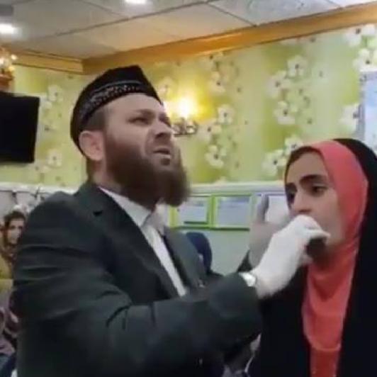 Αραβική προσευχή για να μιλάνε οι γυναίκες λίγο και να μην σκέφτονται ποτέ (βίντεο)