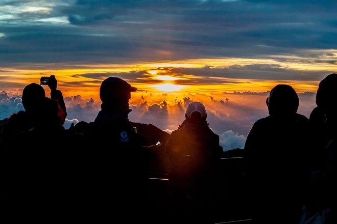 Tempat Tempat Terbaik Untuk Menikmati Sunrise Di Indonesia
