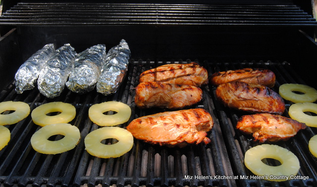 Grilled Hawaiian Chicken With Glaze at Miz Helen's Country Cottage