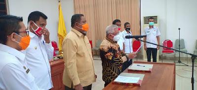 Wali Kota Tual Adam Rahayaan S.Ag., M.Si didampingi Wakil Walikota Usman Tamnge, Wakil Ketua DPRD Ali Mardana serta Pimpinan OPD.
