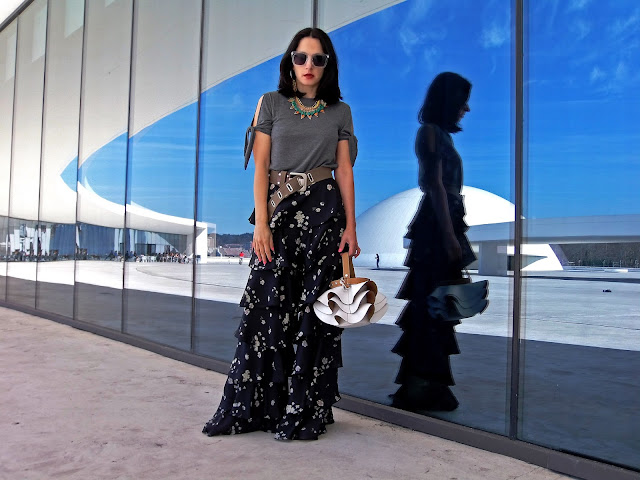 fashion, moda, look, outfit, blog, blogger, walking, penny, lane, streetstyle, style, estilo, trendy, rock, boho, chic, cool, casual, ropa, cloth, garment, inspiration, fashionblogger, art, photo, photograph, Avilés, oviedo, gijón, trousers, ruffles, volantes, military, zara, bolso, bag,
