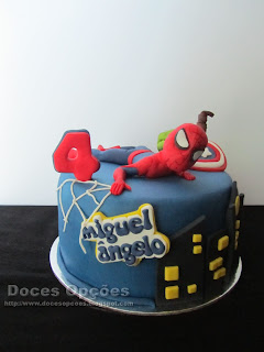 O Homem Aranha no 4º aniversário do Miguel Ângelo