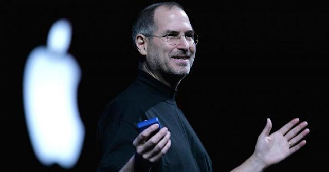 Italianos diseñan pantalones de mezclilla marca'Steve Jobs'