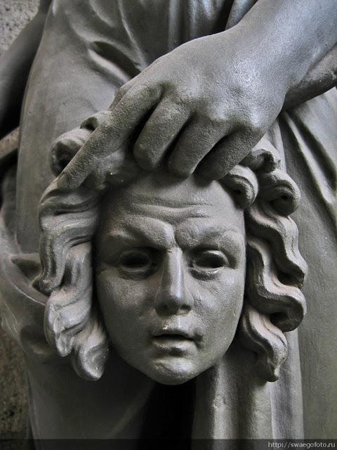 Культурно-скульптурно по-питерски
