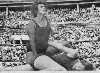 Vicki Williams vs Pantera Surena - Lucha libre