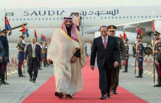 السيسي يستقبل بن سلمان في القاهرة بالرغم من الإحتجاجات الدولية