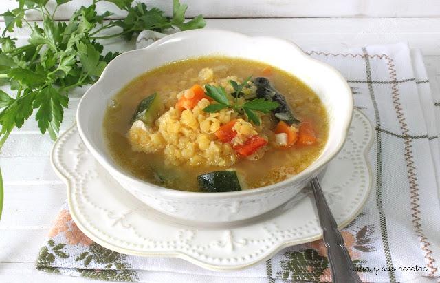 Potaje de lenteja roja con verduras. Julia y sus recetas